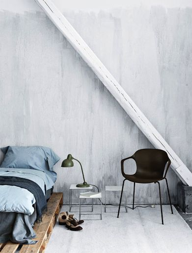 Simple: Interior Design, Decor, Ideas, Pallet Beds, Interiors, Bed Frame, Pallets, Bedrooms, Space