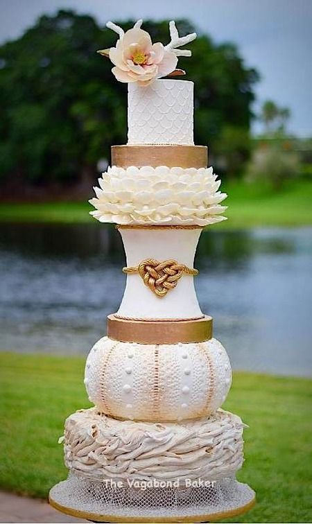 """I've been stockpiling wedding pretties in my """"to-post"""" folder, guys, and today is finall..."""