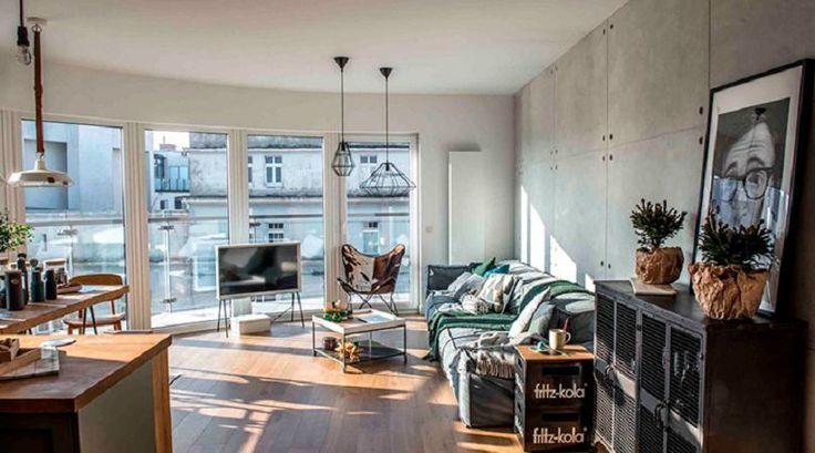 Огромные окна и дерево: очаровательное жилье в Познани
