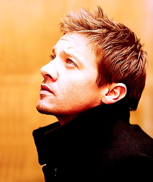 So this is my favorite picture of Jeremy Renner ever.