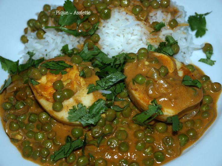 Curry d'œufs durs aux épices et à la crème de coco.