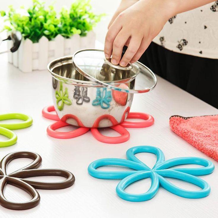 5 Color Plum shape Silicone hot mat Creative fashion quality Anti slip table PVC pot pad Coasters Bowl pad Disc pad