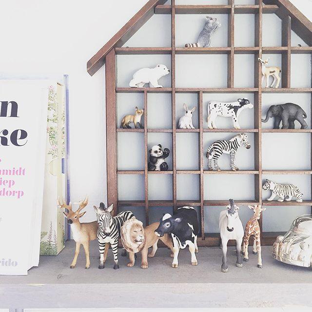 A n i m a l s    Pieter z'n schleich collectie groeit gestaag! #schleich #animals #letterbak #jipenjanneke #kidsroom #nursery