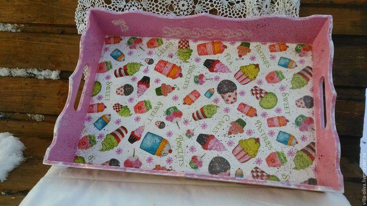 Купить Поднос Сластена любительница капкейков - розовый, подарок на день рождения, поднос, поднос для кухни