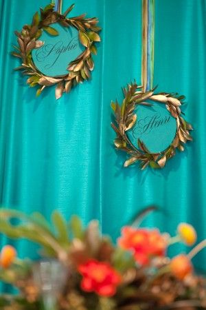 cutest leaf wreaths with names would be darling adorning a chair to indicate place setting? or smaller minatures ones for table setting place cards Tablescape teal and green lovely