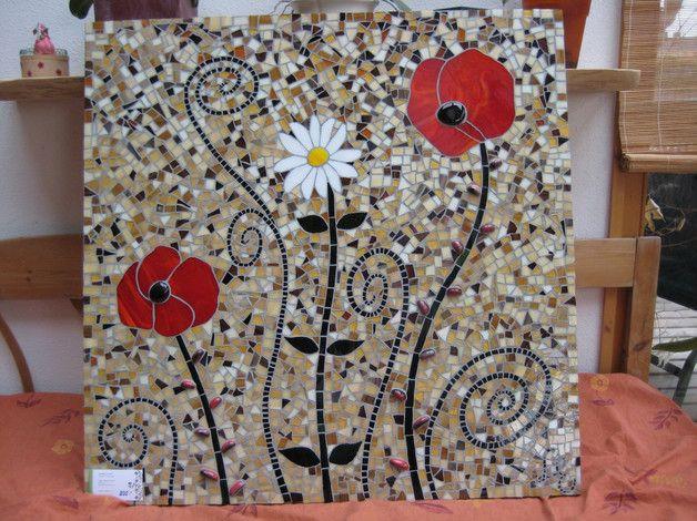 B-Ware darum REDUZIERT  Statt 250 nur noch 50 Euro (ein paar kleine kaum sichtbare Haar-risse)   Mosaikbild in verschiedenen Tiffanygläsern gearbeitet. Phantasievolle Blumen und Kringel ind...