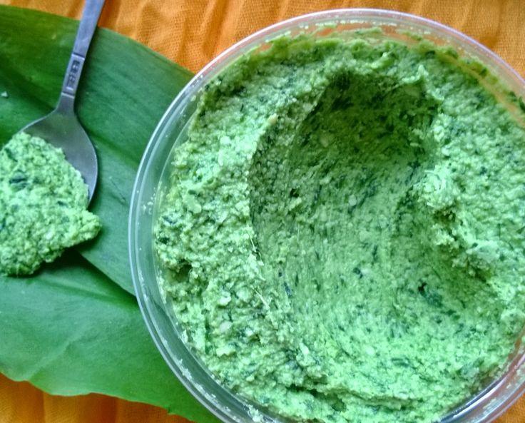 zielony stolik: Pasta z czosnku niedźwiedziego i słonecznika