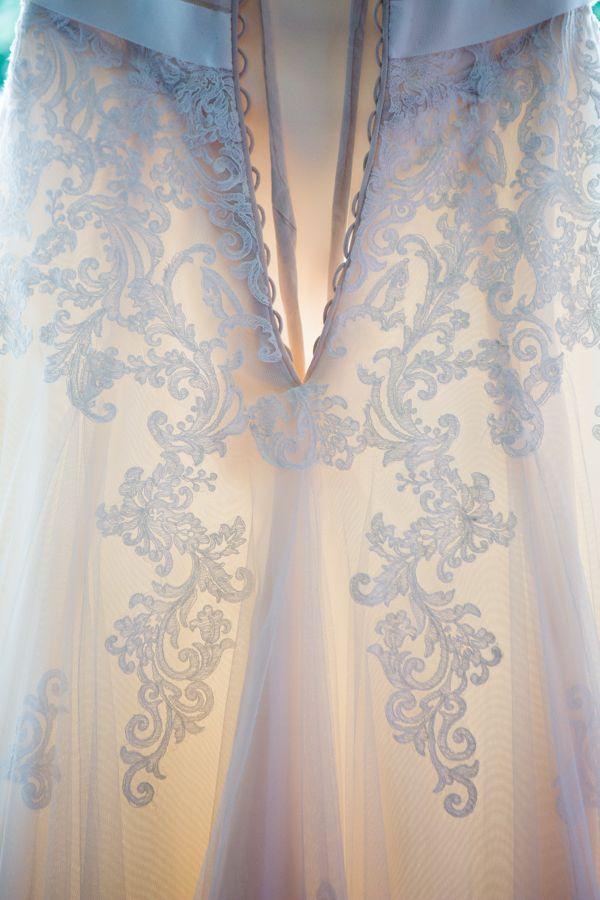 #beautifuldetail #weddingdress #whitewedding #cotswoldswedding #brockworthcourttithebarn #weddingphotography #brentjonesphotography