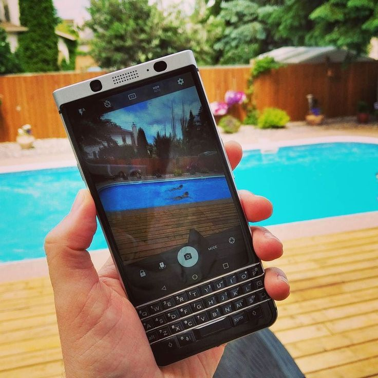 #inst10 #ReGram @crackberrykevin: Enjoying a relaxing weekend before hitting the road again this week... Tuesday to Friday in Miami Saturday / Sunday in NYC and then 5 CrackBerry meetups in 5 days... Boston Washington Atlanta Dallas & Chicago!  #ShotOnKEYone #BlackBerry #BlackBerryKEYone #Android #pool #poolparty ...... #BlackBerryClubs #BlackBerryPhotos #BBer ....... #OldBlackBerry #NewBlackBerry ....... #BlackBerryMobile #BBMobile #BBMobileUS #BBMobileCA ....... #RIM #QWERTY #Keyboard…