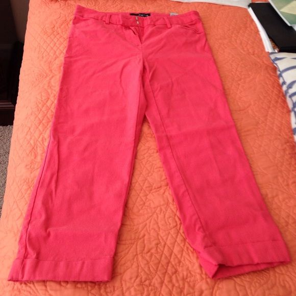 Lightly worn coral capris Coral Capri pants, worn 2 or 3 times only! Pants Capris