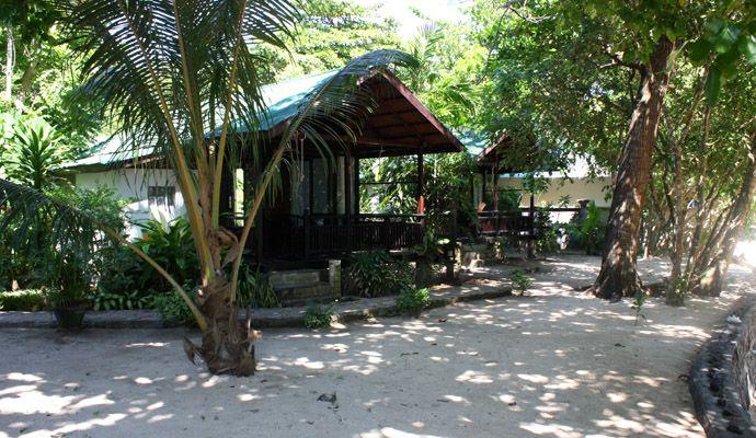 1 full board overnachting in een Beach View Cottage, voor 2 personen, op Pulau Bunaken, bij The Village Bunaken. €90,-