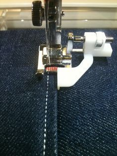 Sewing instructions: Use of special sewing feet …