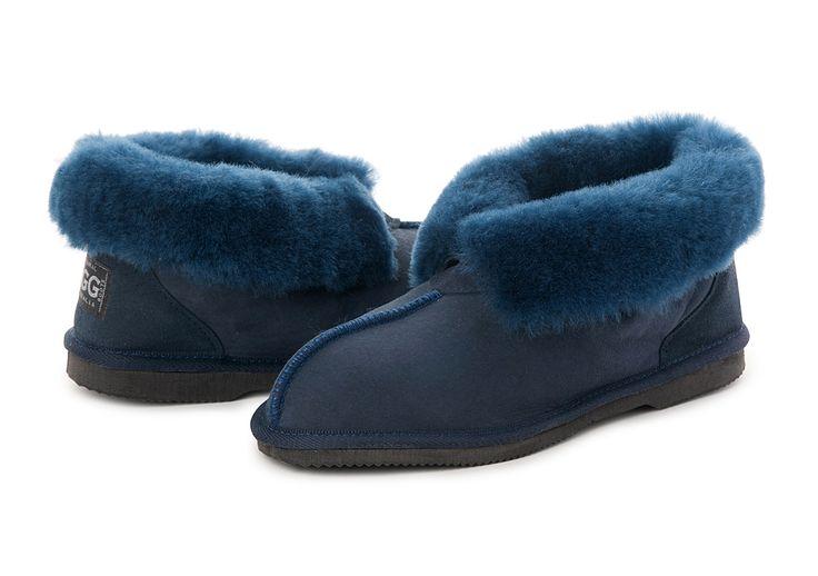 Navy UGG Slippers #navy #papaya #sheepskin #ugg #boots #slippers #uggboots #australia #aussie #australian