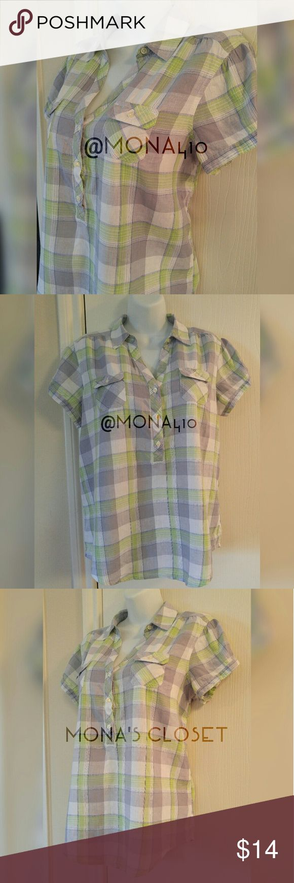 Old Navy Short-Sleeve Tunic Old Navy Short-Sleeve Top in Checkered Light Green & Gray. Two front flap pockets & single button opening on sleeves. 3-button front enclosure. Size Large. Made in Indonesia. Materials: Linen/Cotton. Lightly worn but EUC.  ✨✨Bundle & Save! 15% off bundles of 3+ items.✨ 🔹Smoke-free home 🔹Sorry, no trades or PayPal Old Navy Tops Tunics
