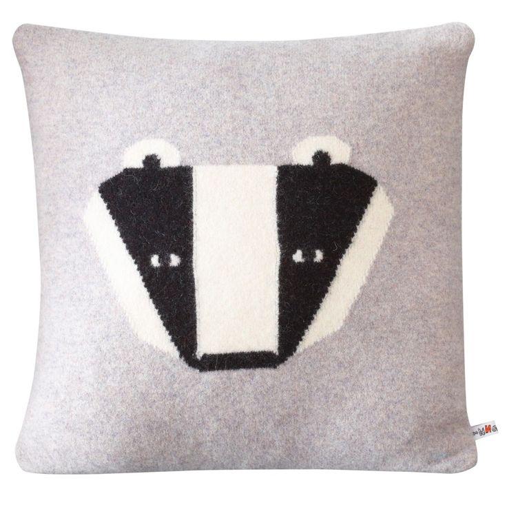 DONNA_WILSON_Badger-Cushion-Grey-40×40