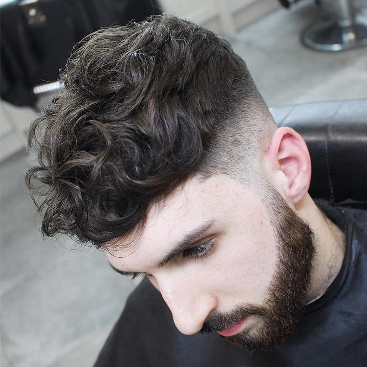 menspiresalon curly mens hairstyle with low skin fade  #menshairstyles #menshaircuts #menshair #hairstylesformen #haircuts #fades #fadehaircuts #fadehaircut #coolhaircuts #newhaircuts #menshairstyles 2017
