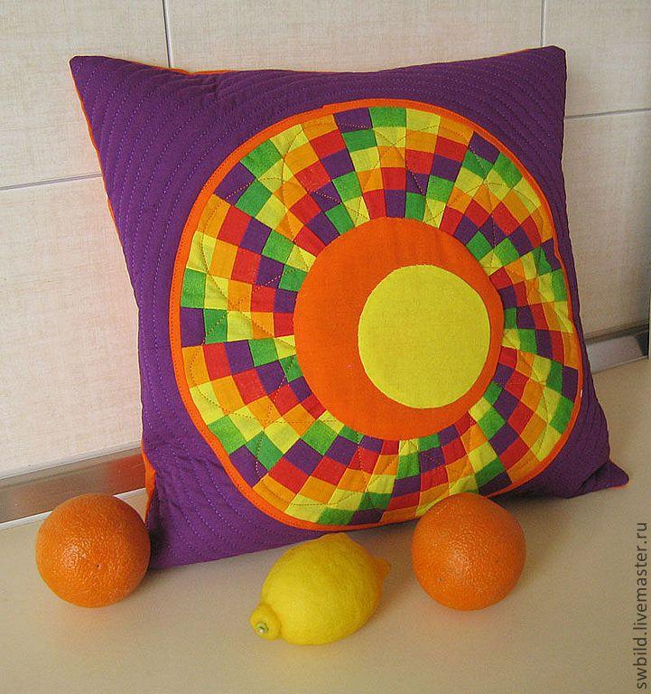 """Купить Подушка """"Апельсиновые и лимонные дольки"""" - апельсин, лимон, фиолетовый, оранжевый, желтый, красный, подушка"""