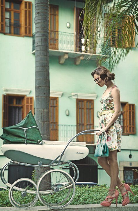 Love this vintage stroller (baby and mother)