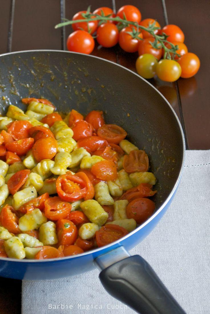 Gnocchi di ricotta e pesto al pomodorino fresco