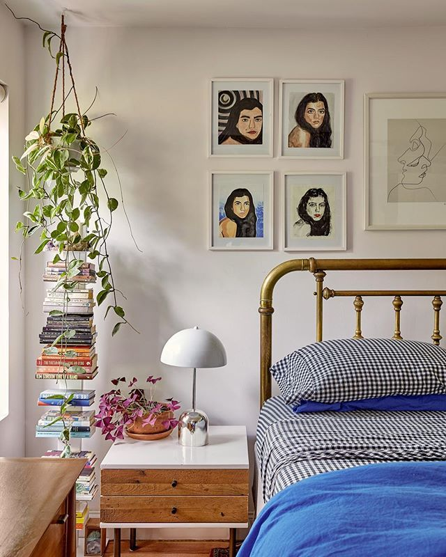 Using This Bedroom Corner As A Design Formula Moving Forward Hanging Plant Book Stack Gallery Gallery Wall Bedroom Bedroom Decor Inspiration Small Bedroom