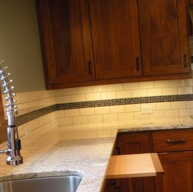 Kitchen Glass Backsplash Pictures: Subway Tile And Mosaic Tile Backsplash