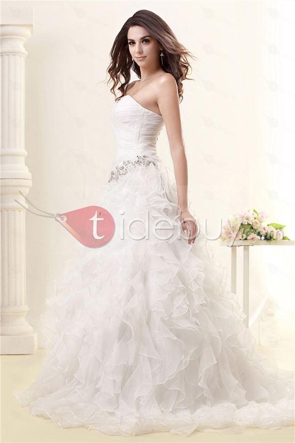 Taidobuyはお客様のために高品質な新スタイルAライン/プリンセスストラップレスチャペルウエディングドレスを提供いたします。その価格は16038円で買えます。