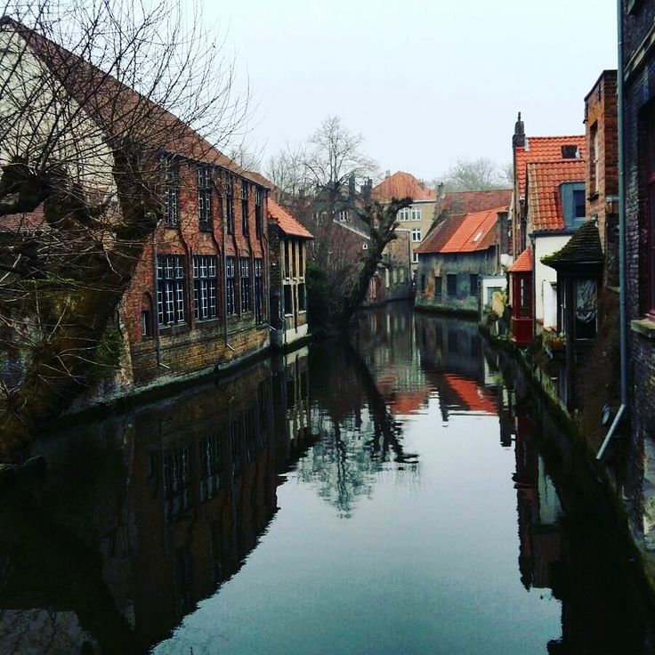 Brugge: Check out my new Travel Blof for more!!! :) https://theredtravellerblog.wordpress.com/
