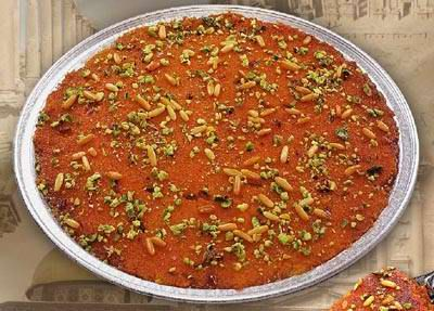 Knafeh recipe - you could attempt this, but if you want REAL knafeh, you go to Nablus! :): Lebanese Sweets, Arabic Sweets, Lebanese Recipes, Sweets Recipes, Lebanese Food, Arabic Desserts, Arabic Food, Recipes Sweets, Knafeh Recipe