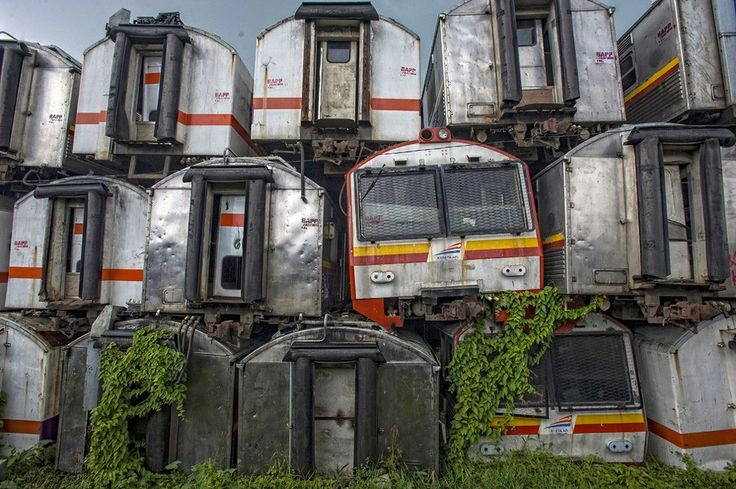 """End of the Line: 180 Decayed Carriages in Train """"Graveyard""""/ Purwakarta, Indonesia"""