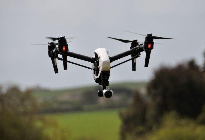 Crimes praticados por drones  Sorria: há um drone te filmando; e você nem sonha