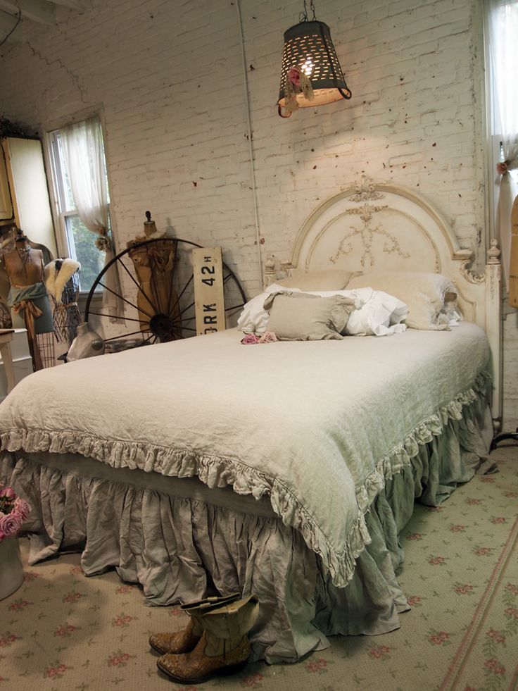 1000 Ideas About Rustic Chic Bedding On Pinterest Chic Bedding Shabby Bedroom And Linen Bedroom