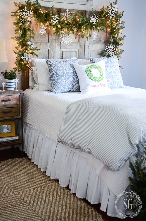 1000 ideas about christmas bedroom decorations on. Black Bedroom Furniture Sets. Home Design Ideas