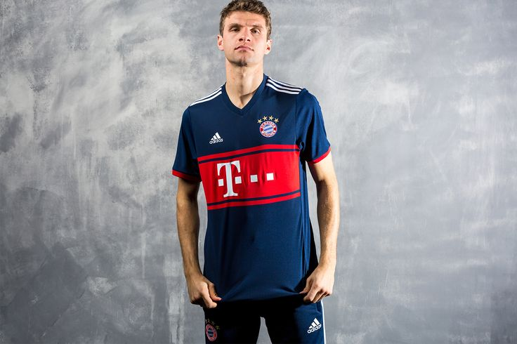 FC Bayern Munich & adidas Revive an Old Fan Favorite