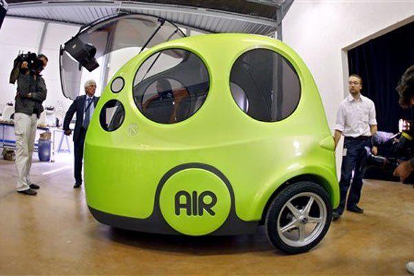 Um carro em fase final de desenvolvimento consegue rodar 130 quilômetros com apenas um litro de gasolina, reduzindo a poluição.