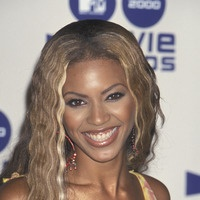 Crimped waves - Beyonce hairstyles from ghd