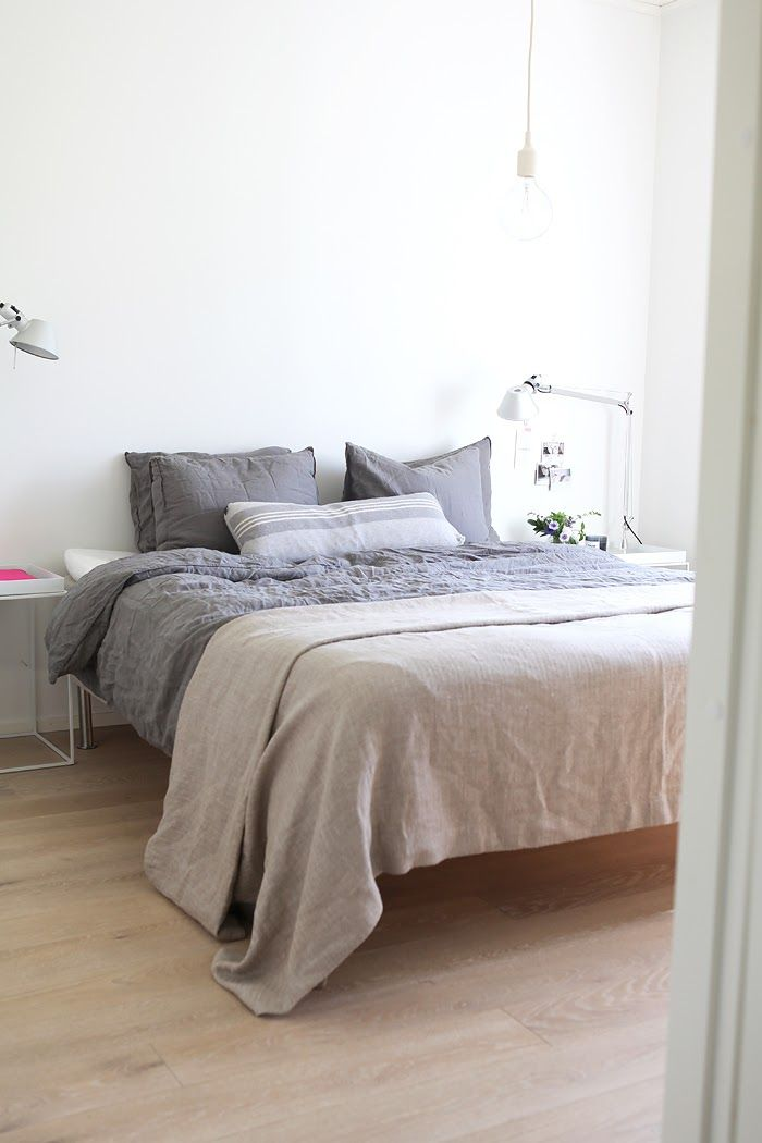 Linen bedspread and sheets