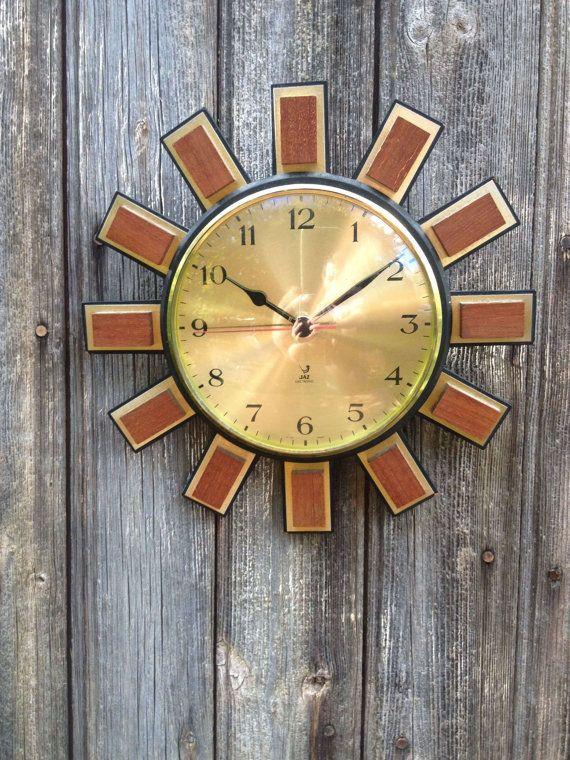 Pendule soleil Jaz electronic par VINTAGEorangeBAZAR sur Etsy