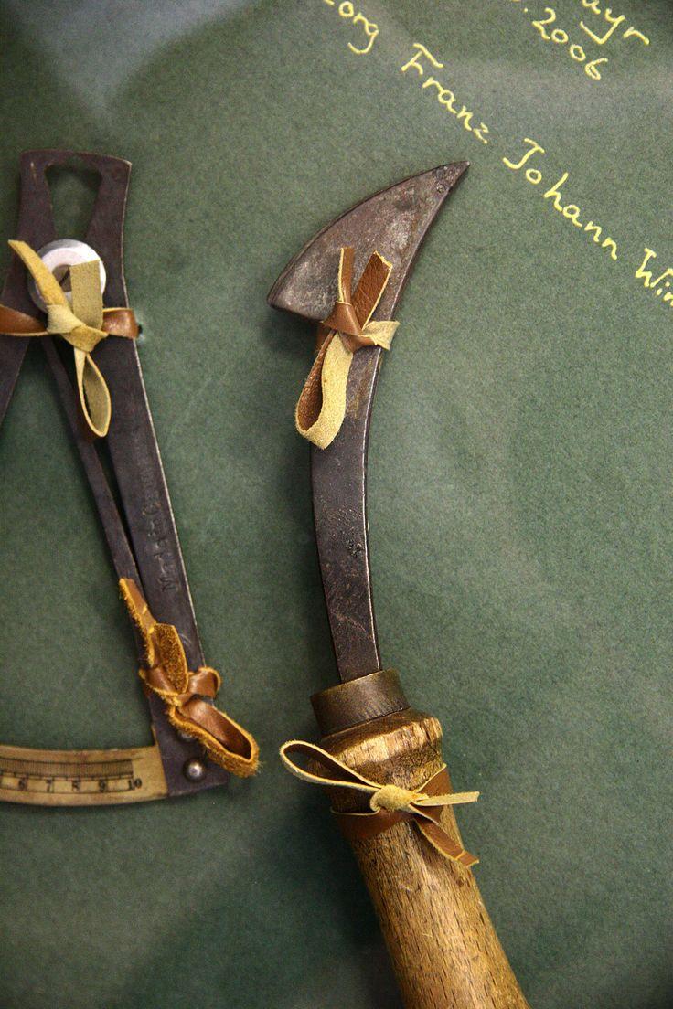 Hanspeter Winklmayr original leather tools  #vialamoda www.vialamoda.com
