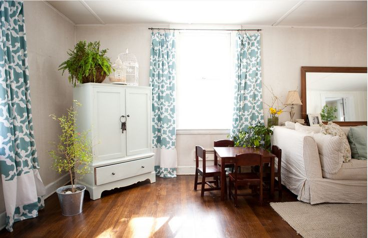 So, you've bought some curtains and realize that they are too short. Here's how to make your curtains longer. Maybe they were on sale or maybe the longest length still isn't long enough. I've got a couple of ideas you can use to extend the length of those store bought curtains AND have them looking …Read more...