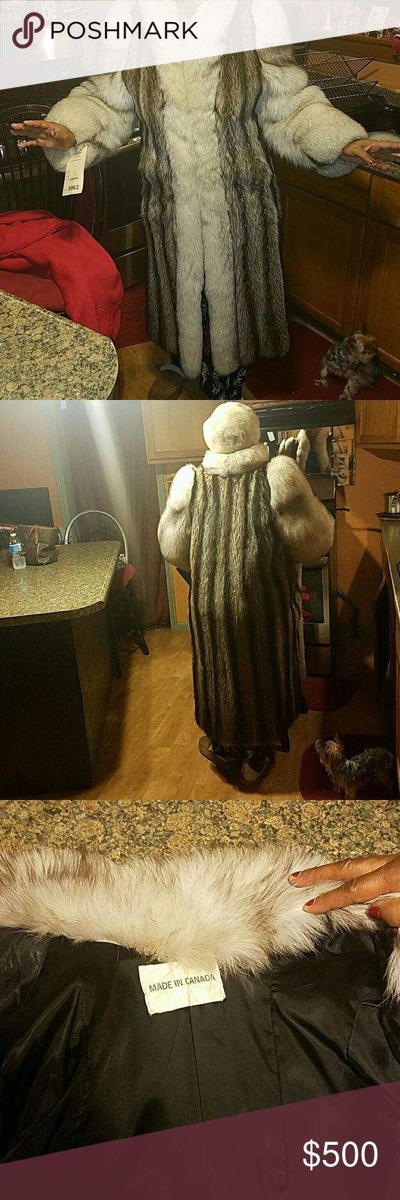 White mink coat and matching hat Long fur coat good for fall and winter and in excellent condition Jackets & Coats