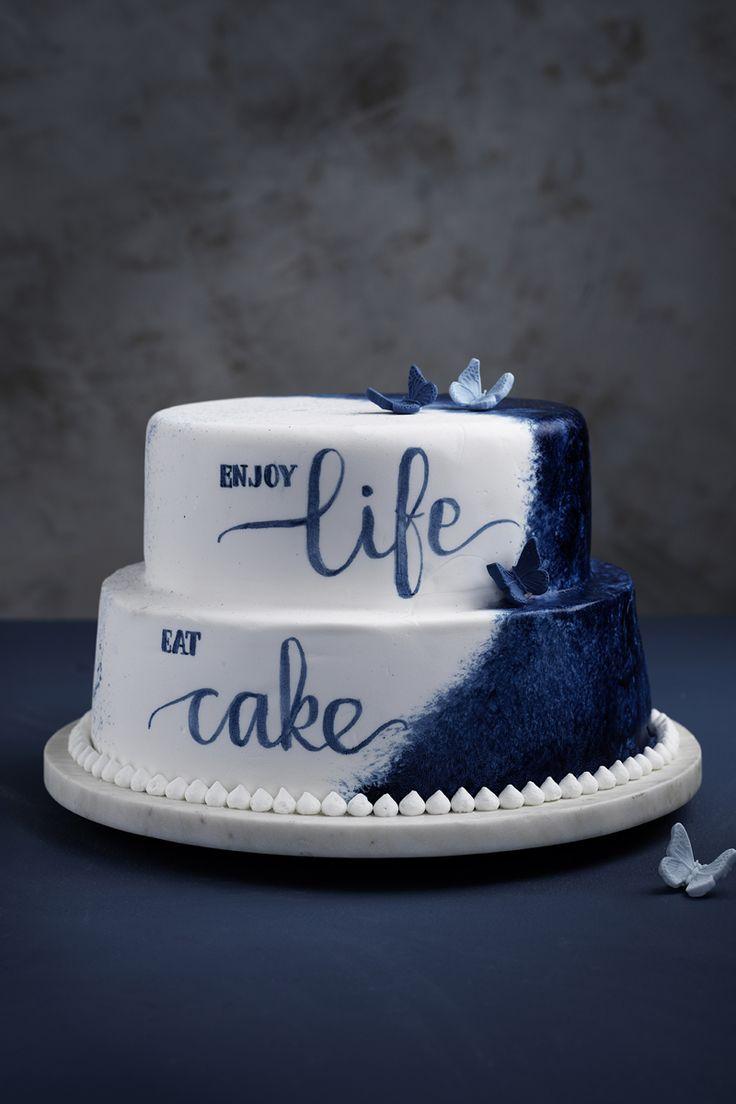 Paint the cake! www.pandurohobby.com Sweets by Panduro  #sweets #DIY #life #write #candy #cake #purple #blå #blue #tårta #tårtor #brushlettering