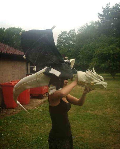 Artyfakes - Dragon Puppet