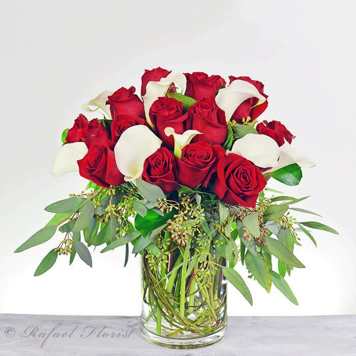 You Are Being Redirected Valentine Flower Arrangements White Flower Arrangements Contemporary Flower Arrangements