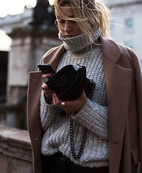 Look hiver pull gris col roulé