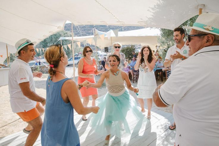 beach wedding party Kythnos | lafete