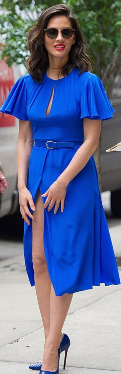 Who made Olivia Munn's blue dress, pumps, and sunglassesShoes – Christian Louboutin  Sunglasses – Barton Perreira  Dress – Diane von Furstenberg