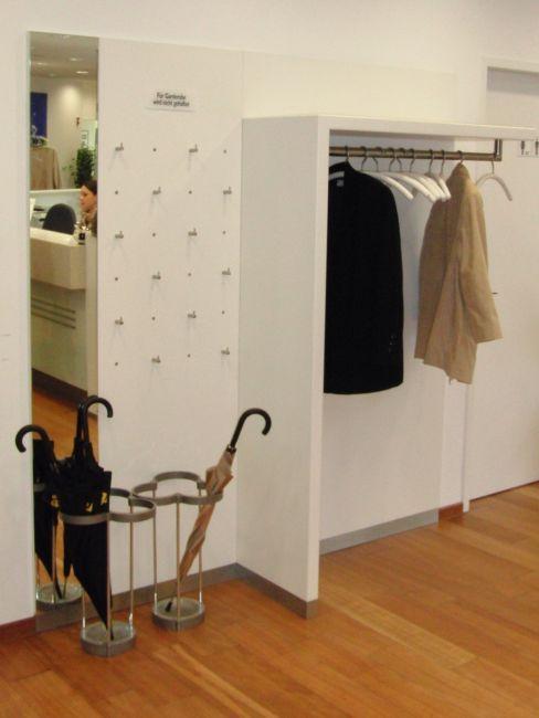9 besten garderobe bilder auf pinterest hersteller innenausbau und garderobe flur. Black Bedroom Furniture Sets. Home Design Ideas