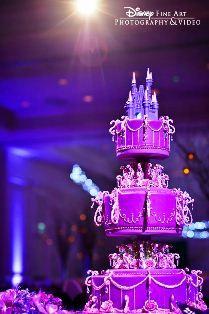 I'm requesting this cake at my wedding ;) @Dani Grant hahaha