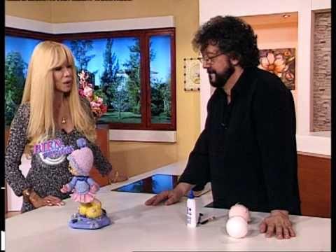 Jorge Rubicce - Bienvenidas TV - Modela en porcelana fría una manta de bebé estilo patchwork - YouTube