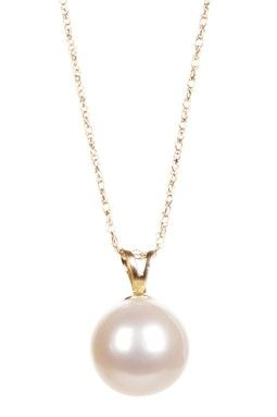 Every woman should have some REAL pearls in her life !!! A classic piece of jewelry that screams elegance and sophistication !!